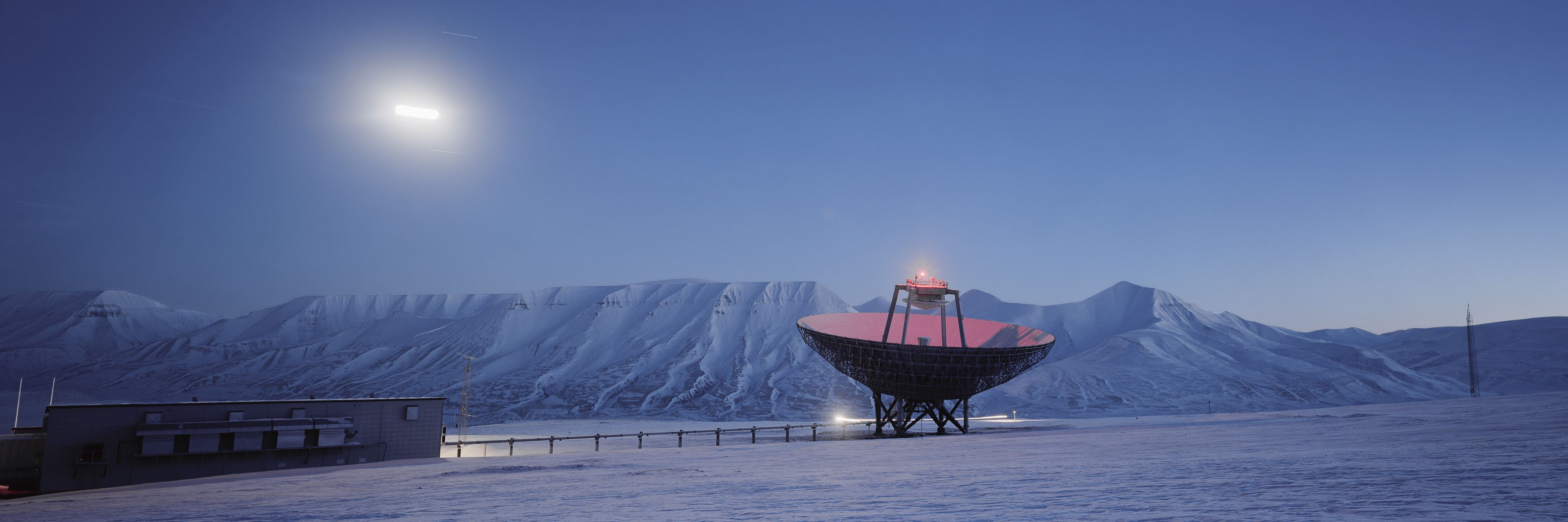 Dish in moonlight, Arctic Technology, Spitsbergen