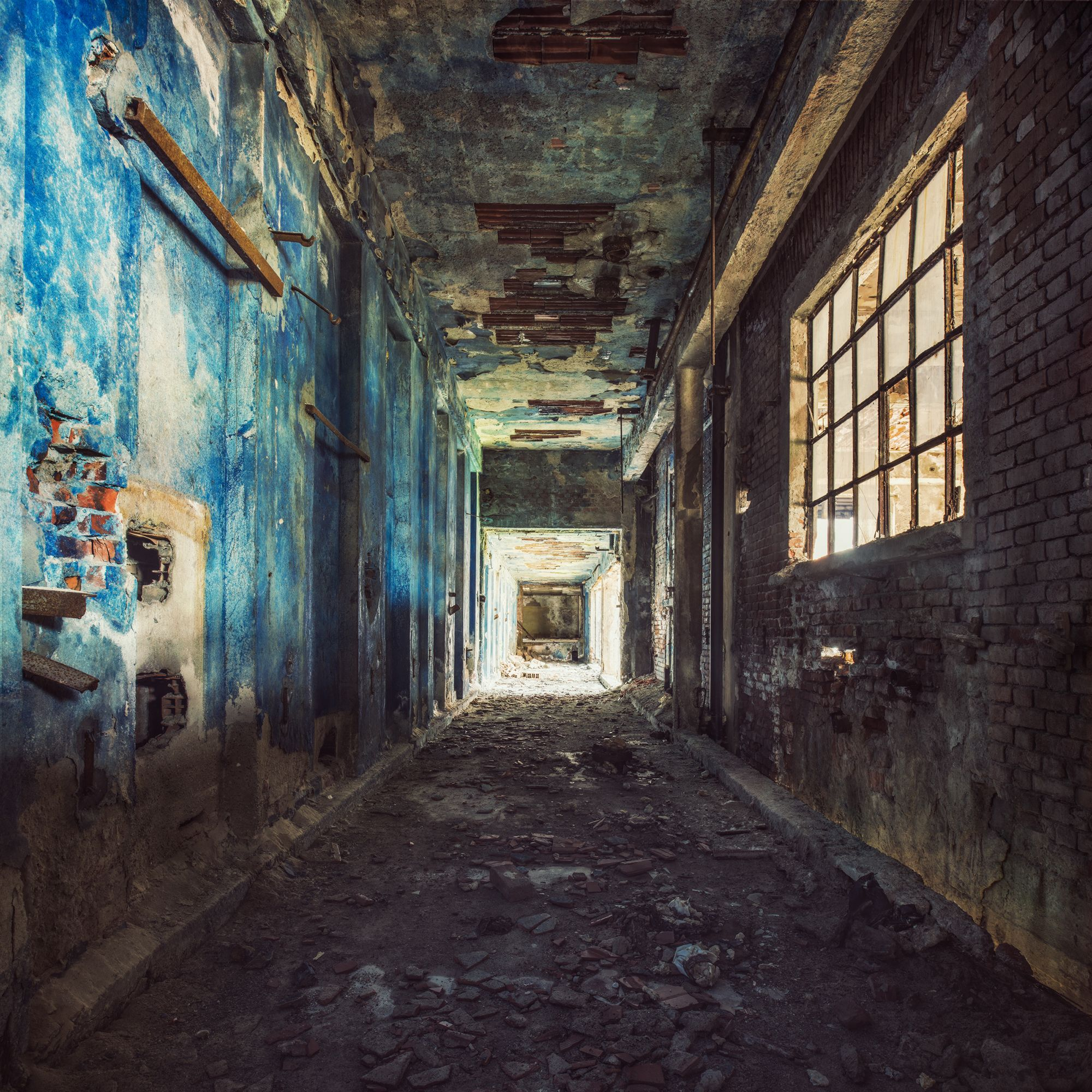Factory Walkway,Gina Soden,Photographie