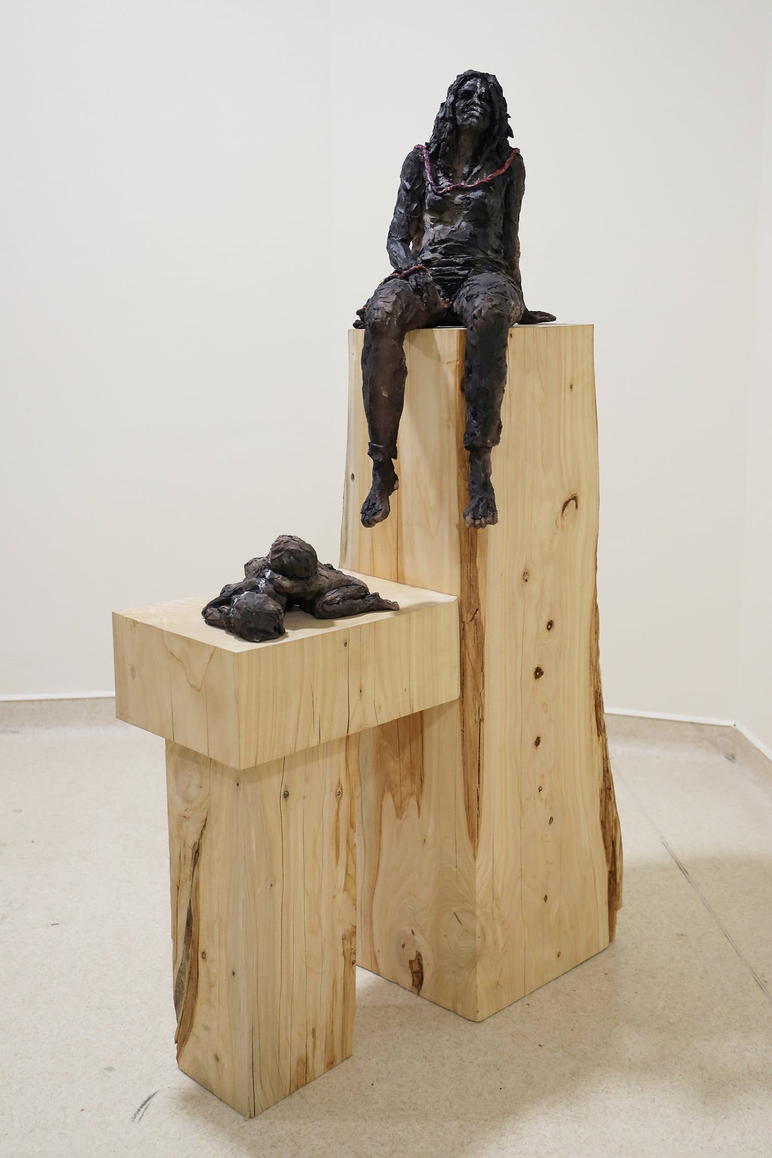 Woman with cord,Cécile Raynal,Sculpture, detail 2