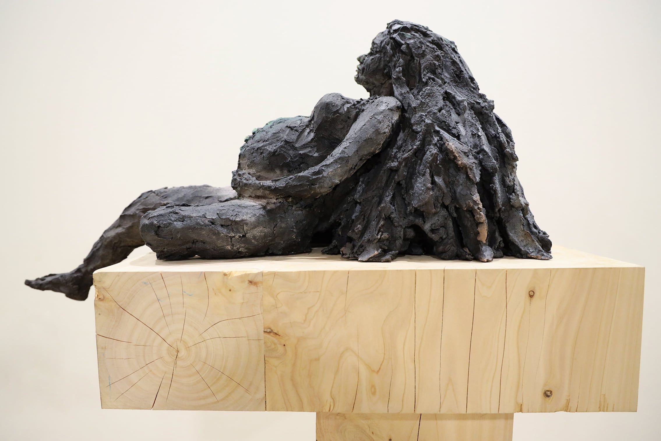 Femme Grotte,Cécile Raynal,Sculpture contemporaine