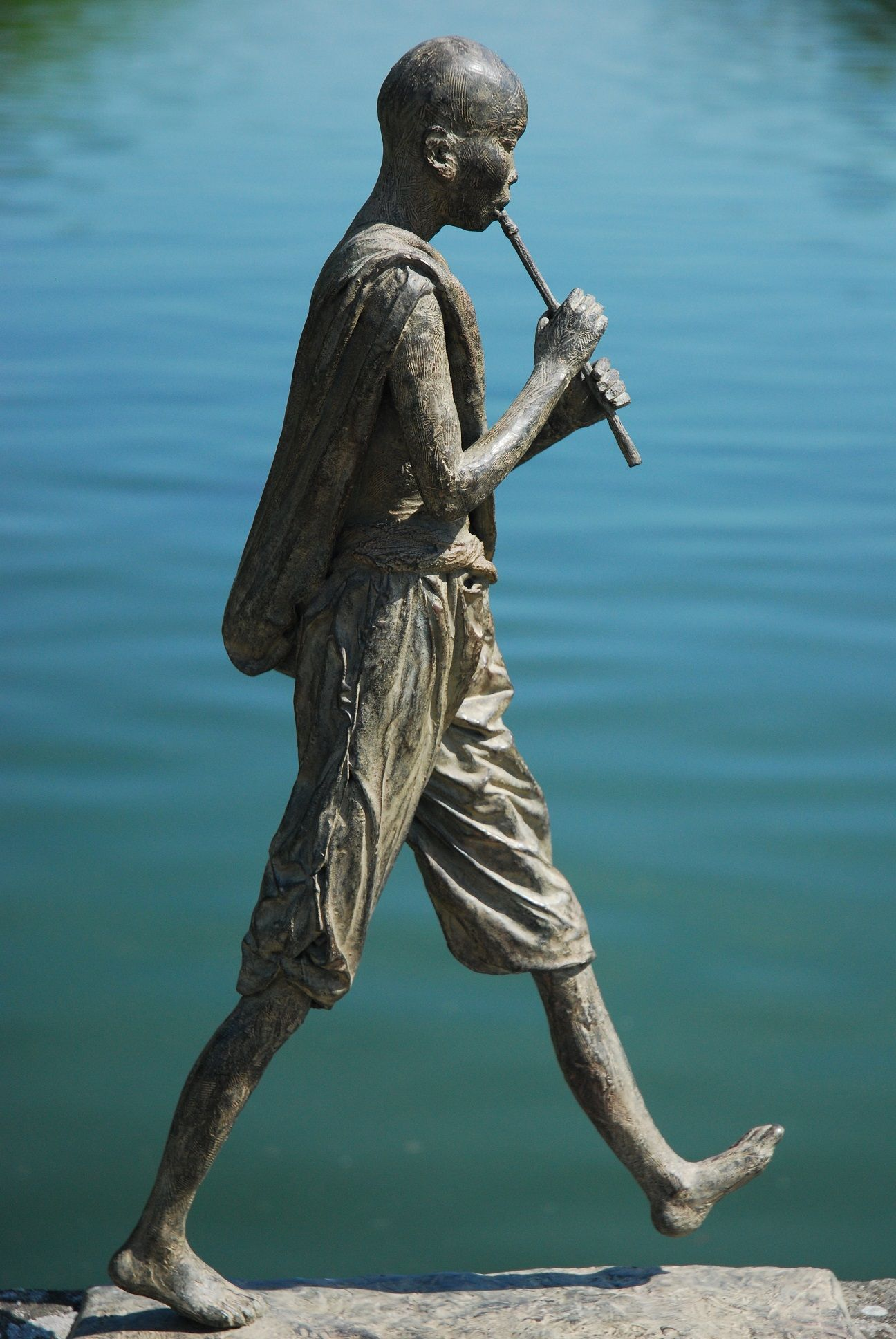 Grand Flûtiste ,Marine de Soos,Sculpture contemporaine, detail 2