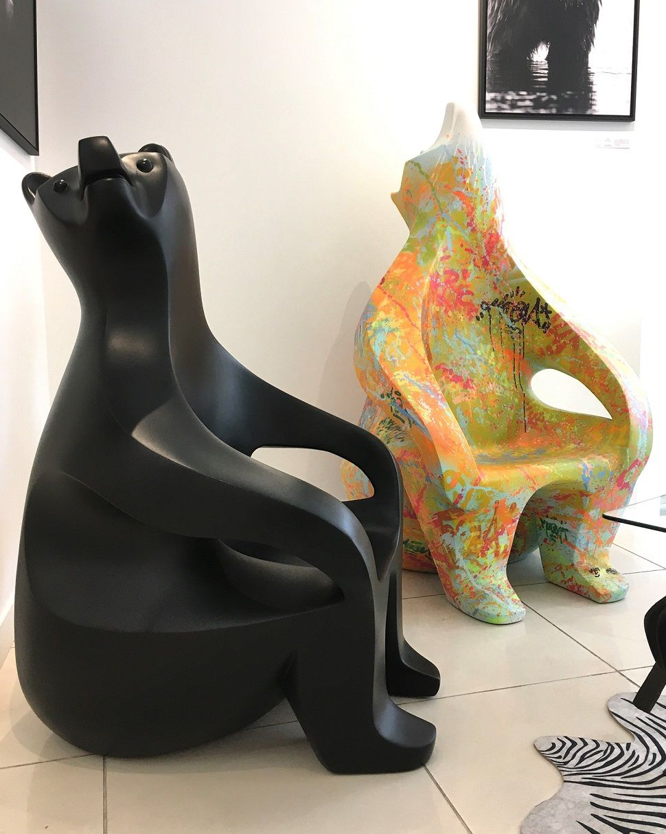 Sculpture - Eric Valat - The Great Bear, painted by Moun - detail 2