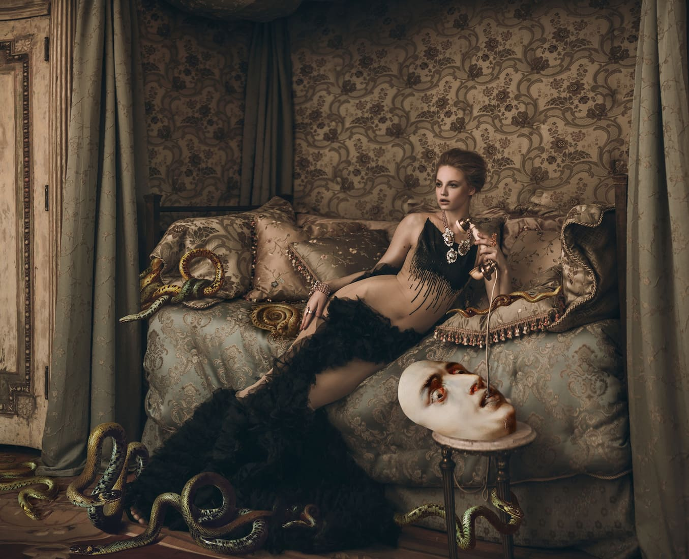 Photography - Miss Aniela - Message to Medusa