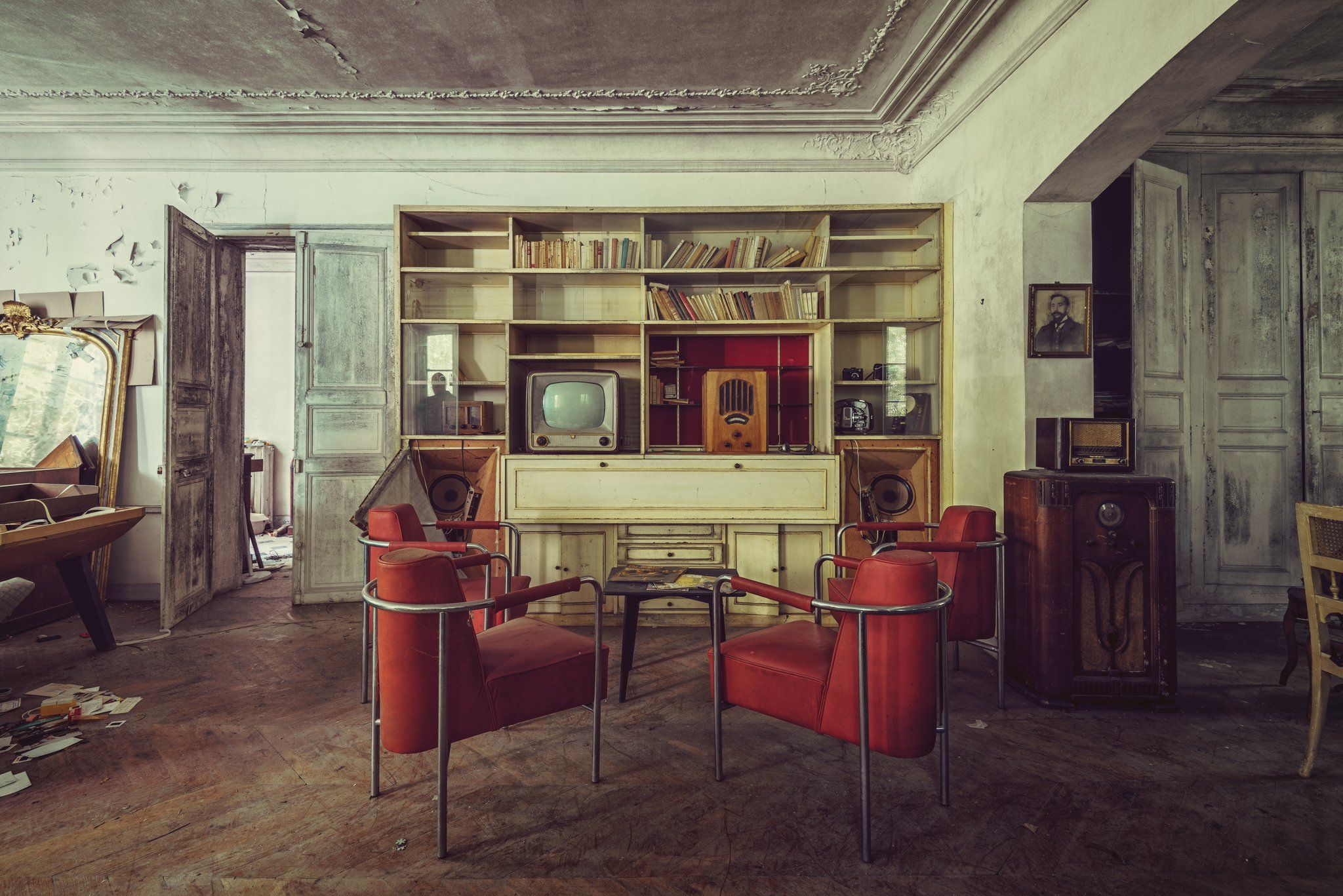 Radios in Lounge - Gina Soden - Photographie contemporaine