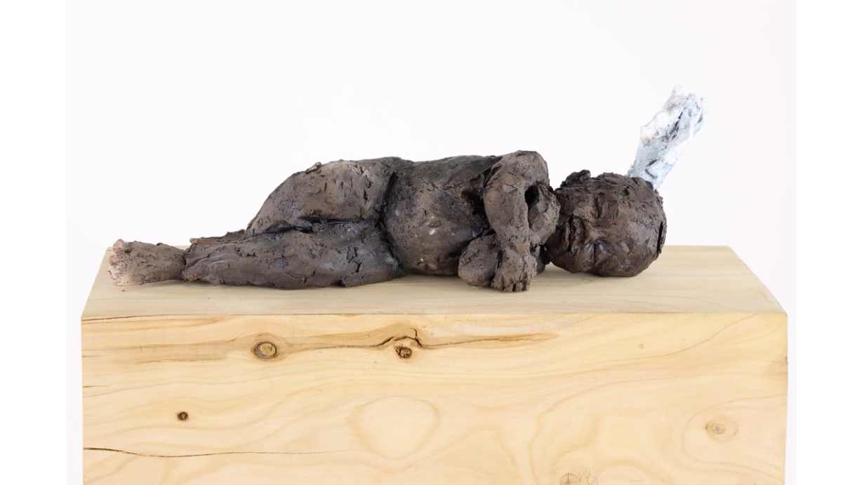 Newborn's dream,Cécile Raynal,Sculpture