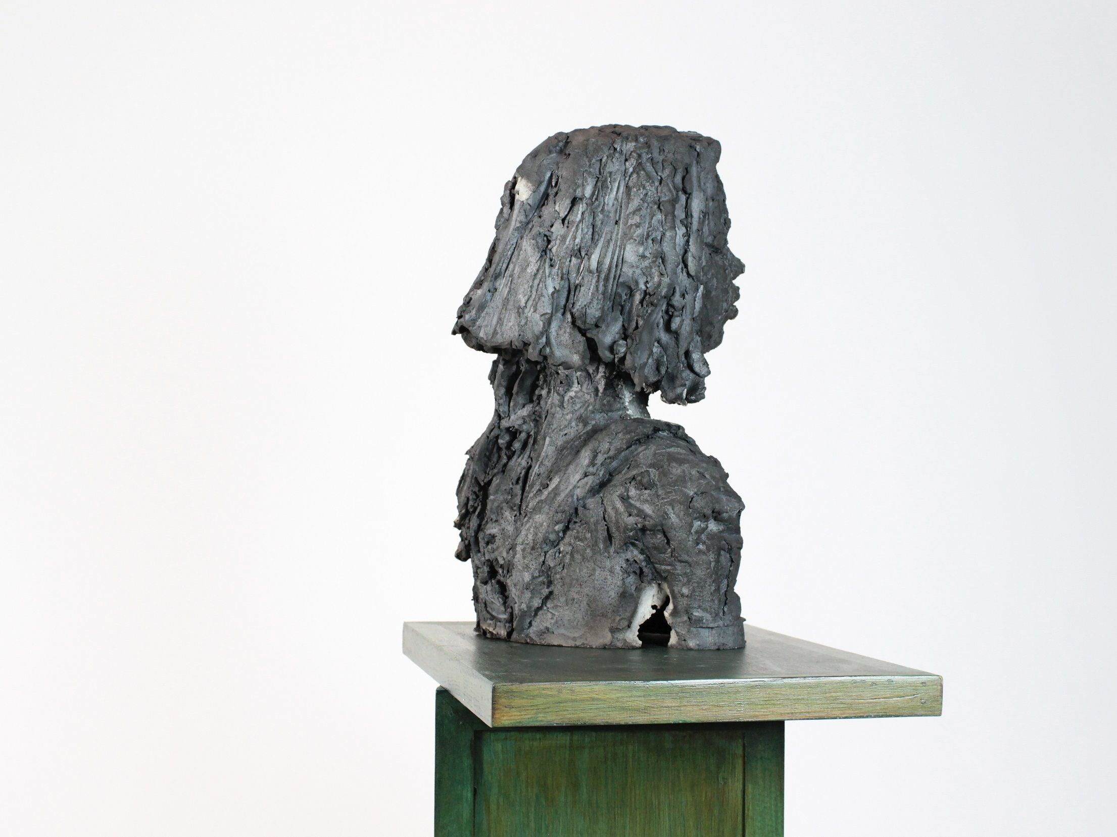 Solo (with Chloé),Cécile Raynal,Sculpture, detail 2