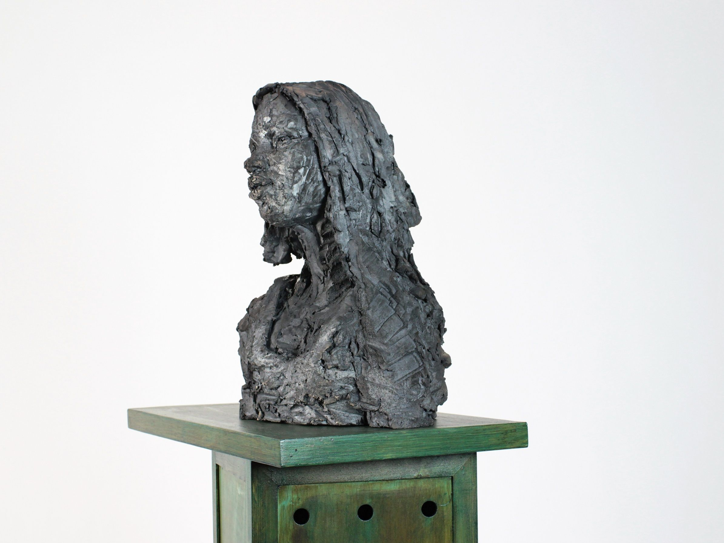 Solo (with Chloé),Cécile Raynal,Sculpture, detail 3