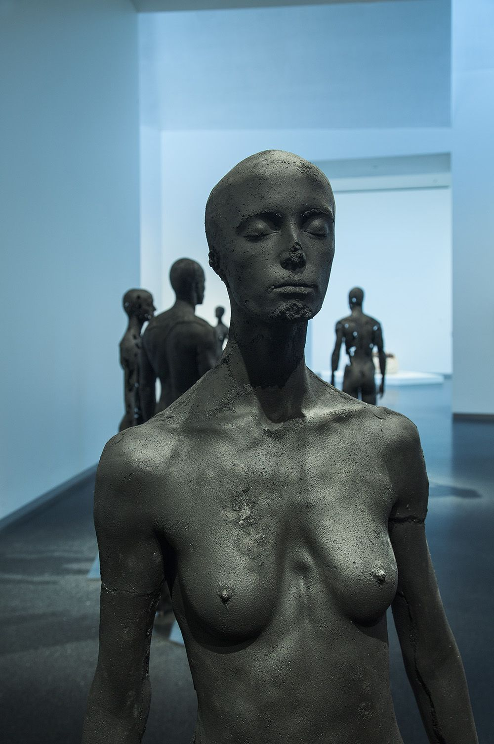 Sculpture - Tom Price - The Presence of Absence - Female (I) - detail 1